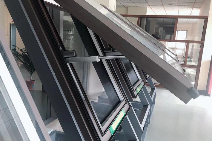 上悬精品天窗LXJP(500mm行程)
